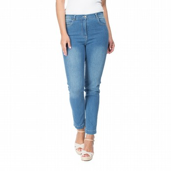 The slim leg miracle jean by Gordon Smith is designed to make you look slimmer.                                                                                  Special front panels have been deliberately inserted to give your silhouette a                                                                                   flatter appearance. The extra stretch miracle denim is designed to tone and                                                                                      shape. Featuring a slim leg line and an ankle length finish, this super                                                                                          comfortable stretch denim high waisted jean ensures comfort all day.