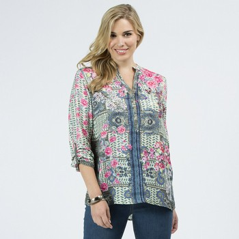 The Print Tunic Top by Clarity is one of our prettiest styles.                                                                                                   In a fluid silk touch poly this floral printed blouse features a comfortable                                                                                     fit, a handy tab up sleeve and a V neckline with button through.                                                                                                 Pair back with any of your summer basics for an on-trend look                                                                                                    everytime. Models wear Size S and both stand 178cm tall.